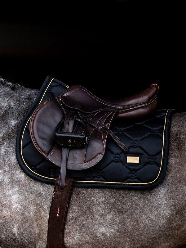 equestrian-stockholm-jump-saddle-pad-black-gold