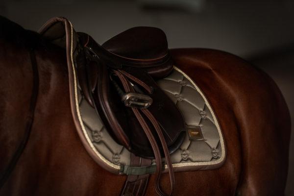 equestrian-stockholm-golden-olive-ugro-nyeregalatet