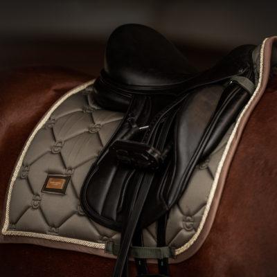 equestrian-stockholm-dressage-saddle-pad-golden-olive