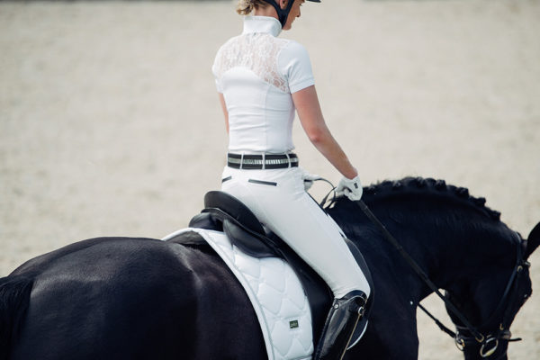 equestrian-stockholm-dressage-saddle-pad-white-perfection-silver