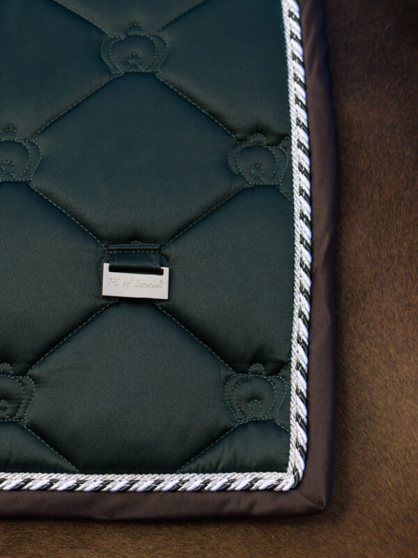 ps-of-sweden-monogram-emerald-drezurna-podsedlova-decka