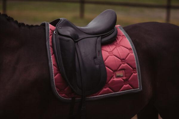 equestrian-stockholm-dressage-saddle-pad-winter-rose