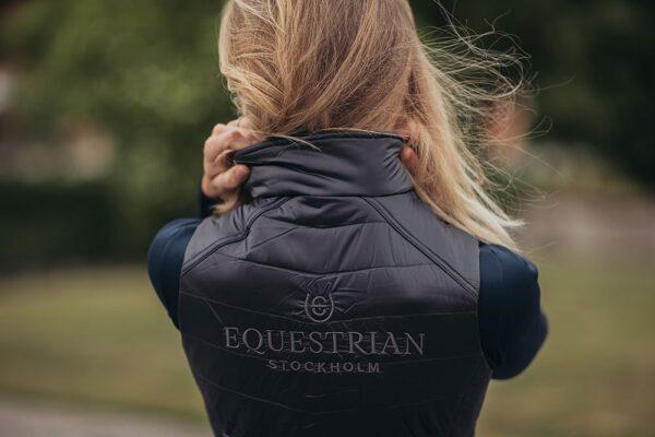 equestrian-stockholm-melleny-dark-sky