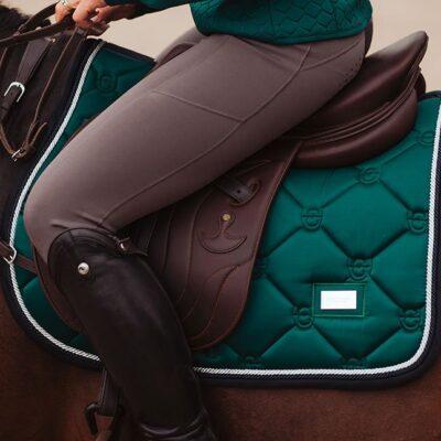 equestrian-stockholm-emerald-skokova-podsedlova-decka
