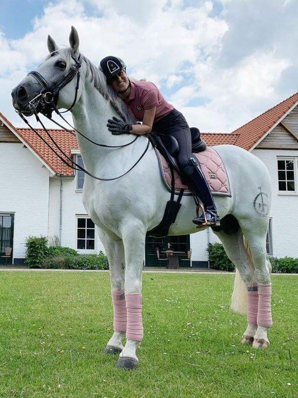 equestrian-stockholm-pink-fasli