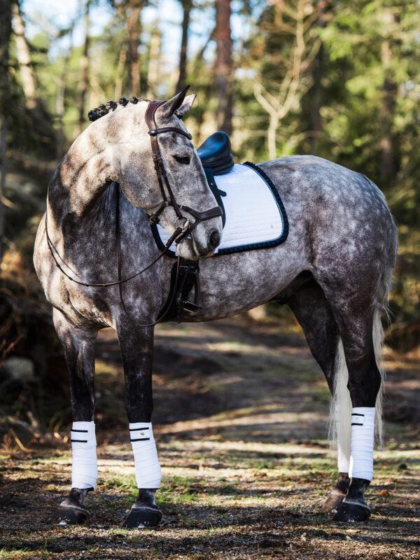 ps-of-sweden-ruffle-dressage-saddle-pad-white-navy-cob