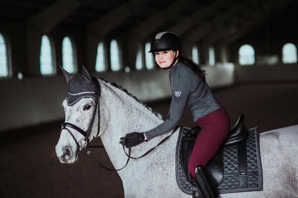 equestrian-stockholm-no-boundaries-silver-cloud