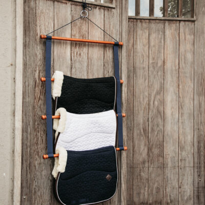 grooming-deluxe-saddle-pad-holder-luxe